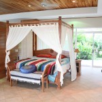 Malpais rental villa - four post canopy bed