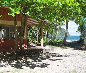 Beachfront cabins for rent at Curu Park
